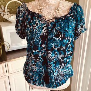 Fashion Bug Size M short sleeve blouse ( Blues)